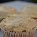 Grundopskrift: Swiss Meringue Buttercream med ahornsirup