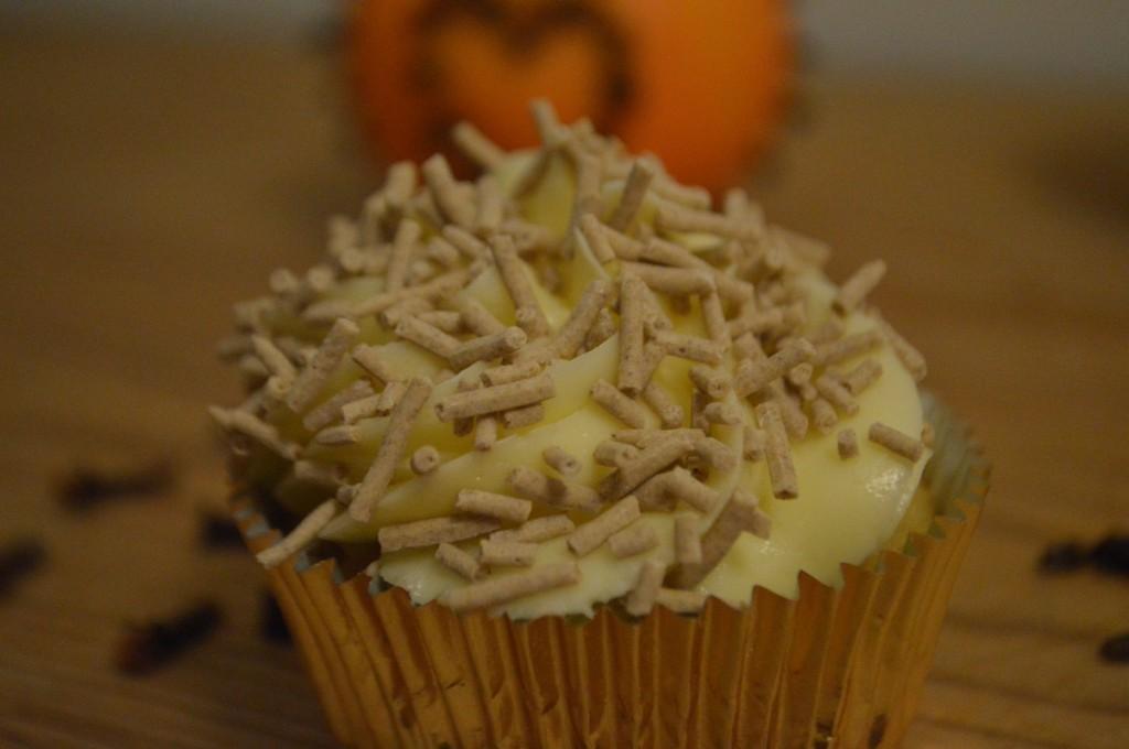 Appelsin Nellike Cupcake 047