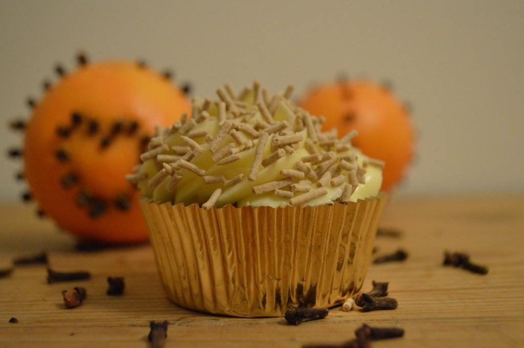 Appelsin Nellike Cupcake 060