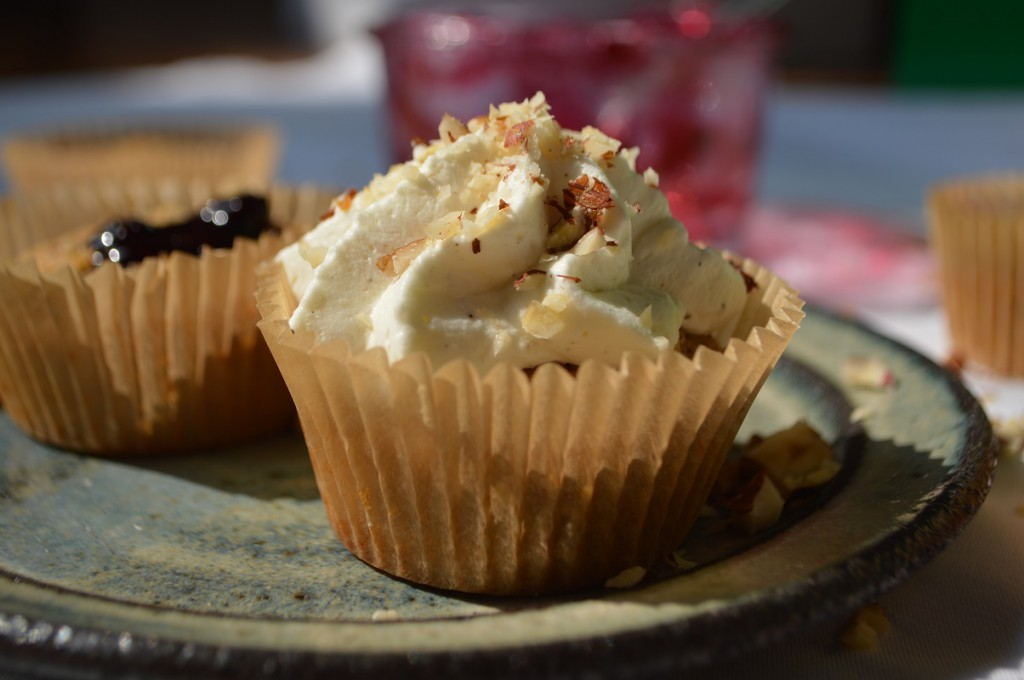 Brødtorte med solbærmarmelade cupcakes