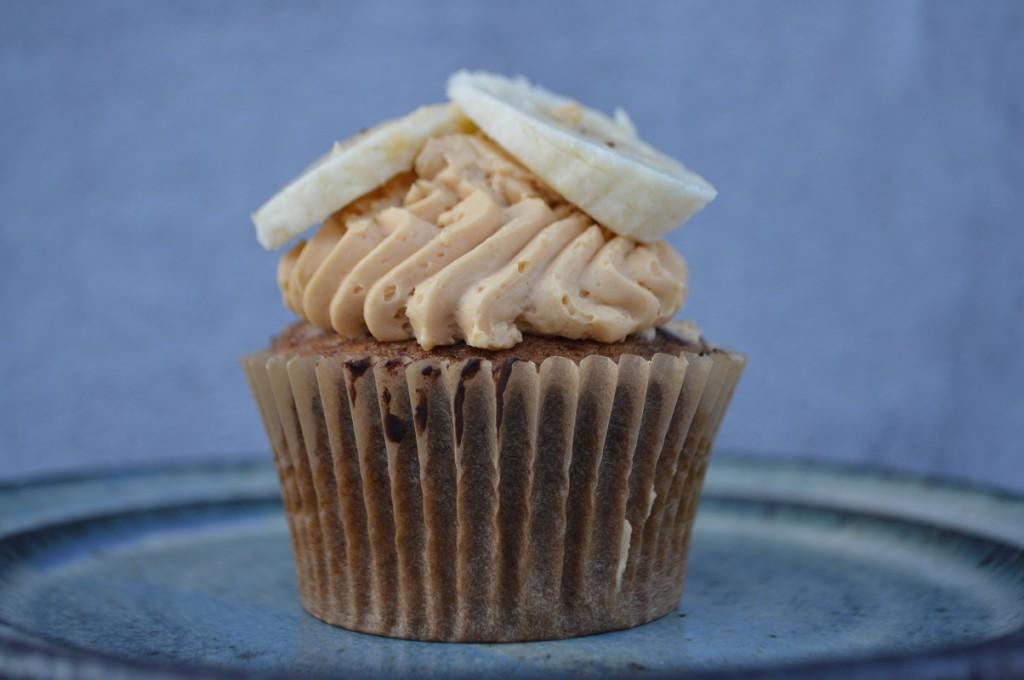 Cupcakes med banan kaffe chokolade og karamel 077