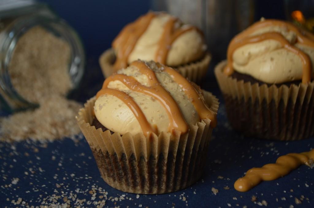 cupcakes med chokolade, whisky, karamel, røget salt