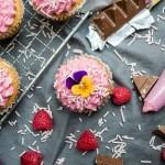 5 års bryllupsdag… Cupcakes med Toblerone og hindbærfrosting