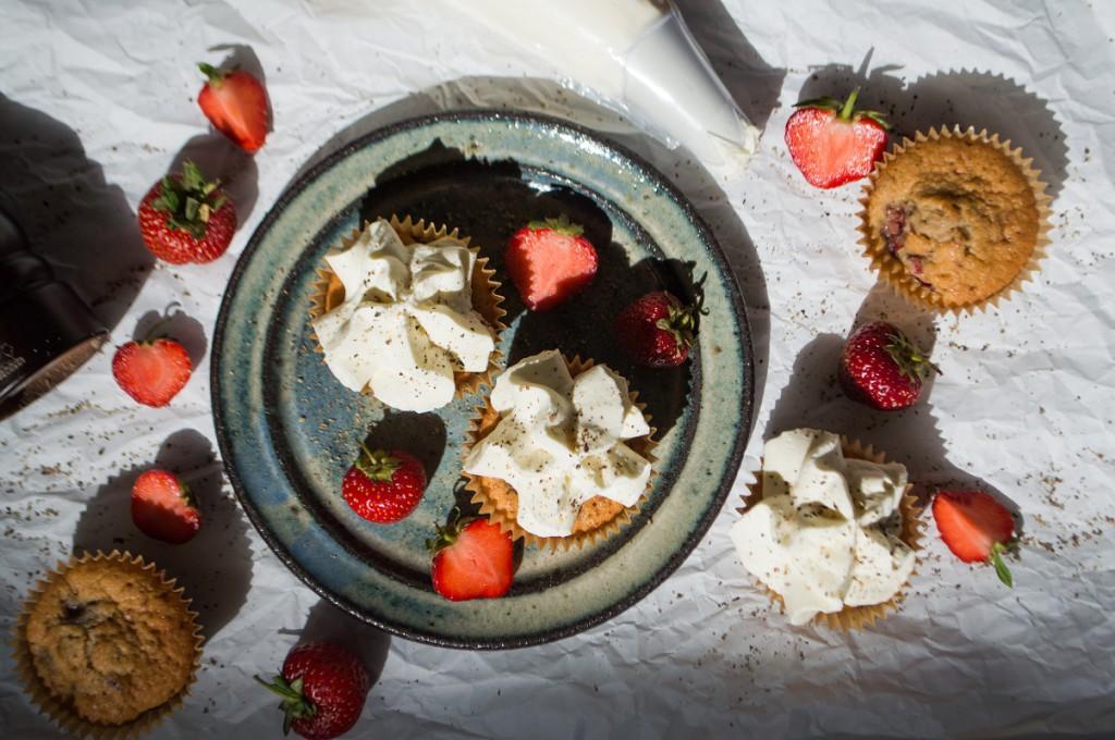 cupcakes med sort peber og jordbær