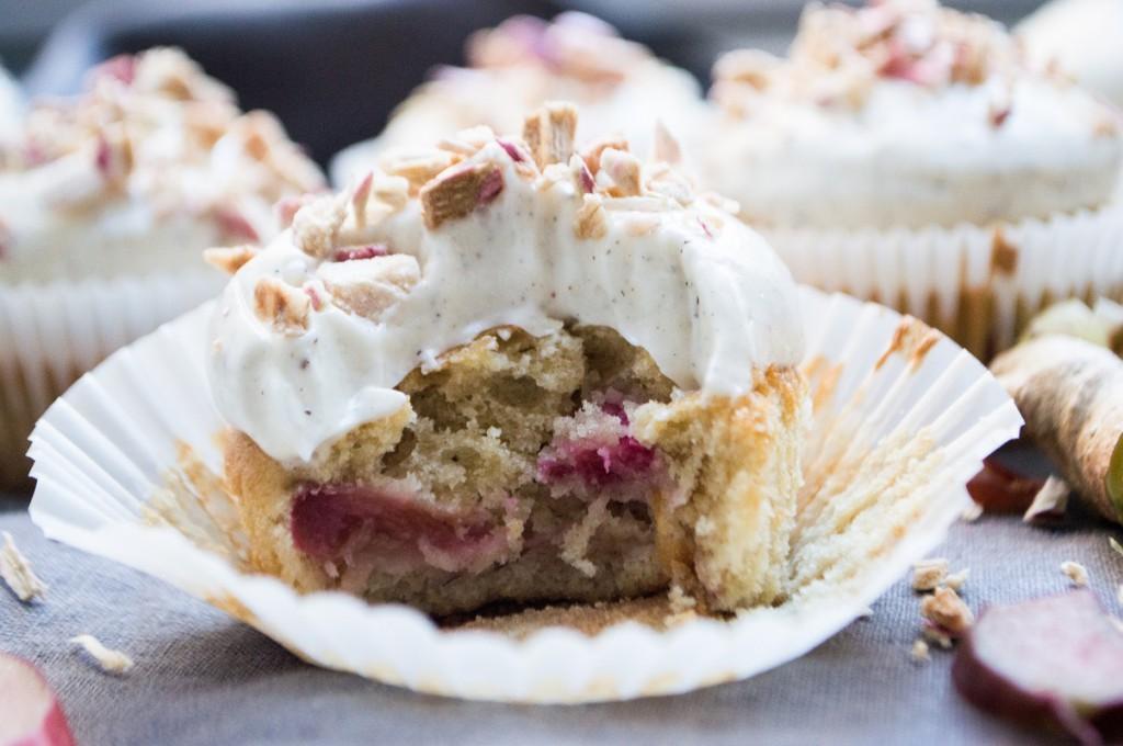 Rabarbercupcakes med ingefær