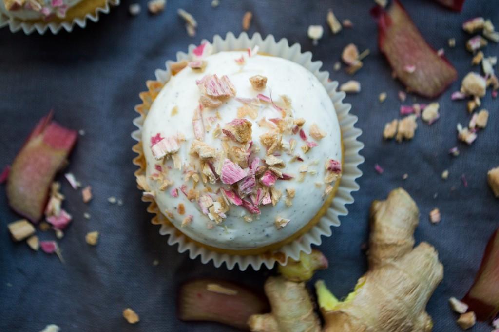 Rabarbercupcakes med ingefær og vanilje 008