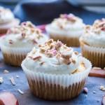 Rabarbercupcakes med ingefær og vanilje